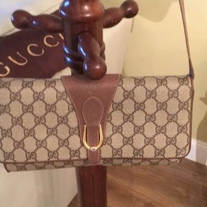 Authentic Vintage Gucci- as shoulder or clutch